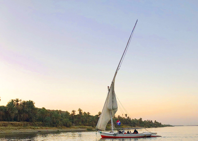 Cairo: 2-Hour River Nile Felucca Cruise with Meals